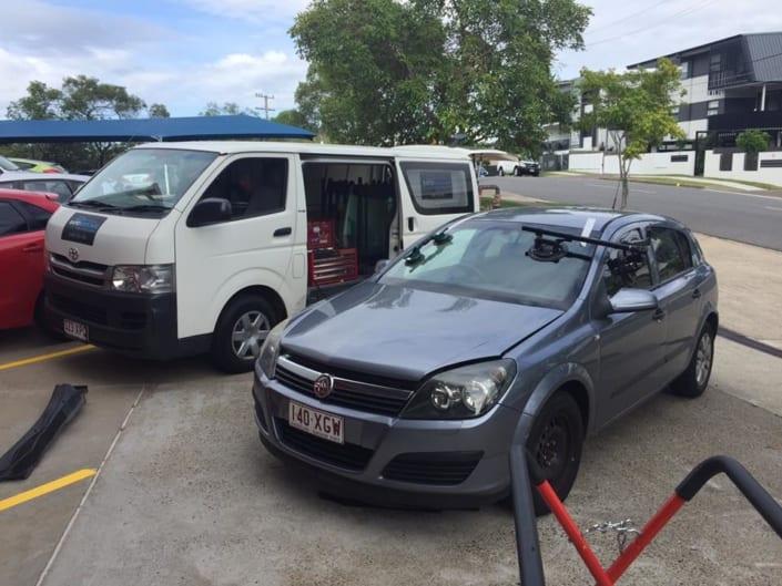 Mobile Windscreen Replacement Brisbane Sedan - Autoglass Replacement Brisbane Southside