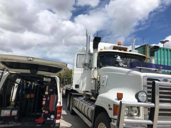 Windscreen Replacement Brisbane Truck Company - Mobile Windscreen Repairs For trucks