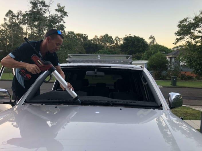 Windscreen Repair Replacement Autoglass Bayside Brisbane - Sealing New Windscreen